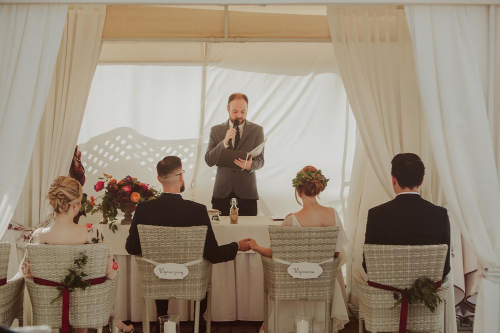 Ślub humanistyczny w altanie